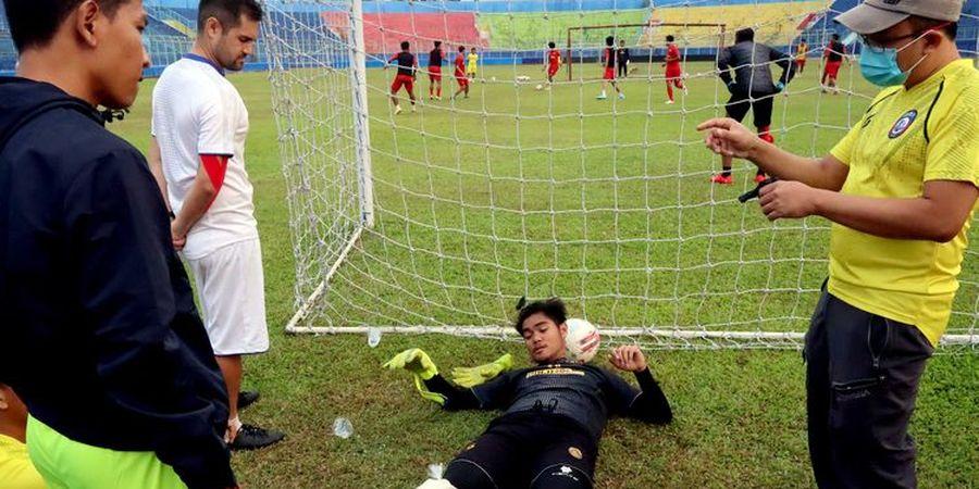 Usai Ditinggal Mario Gomez dan Bauman, kini Arema FC Kehilangan Kiper Andalan