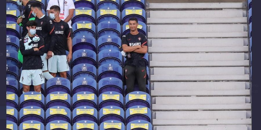 Ronaldo Cuma Nonton di Tribune, Rekor 100 Gol Timnas Portugal Tertunda Lagi