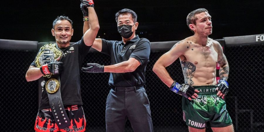 Hasil Lengkap ONE: Reign of Dynasties - Juara Muay Thai Pertahankan Gelar, Jagoan Indonesia Gemilang
