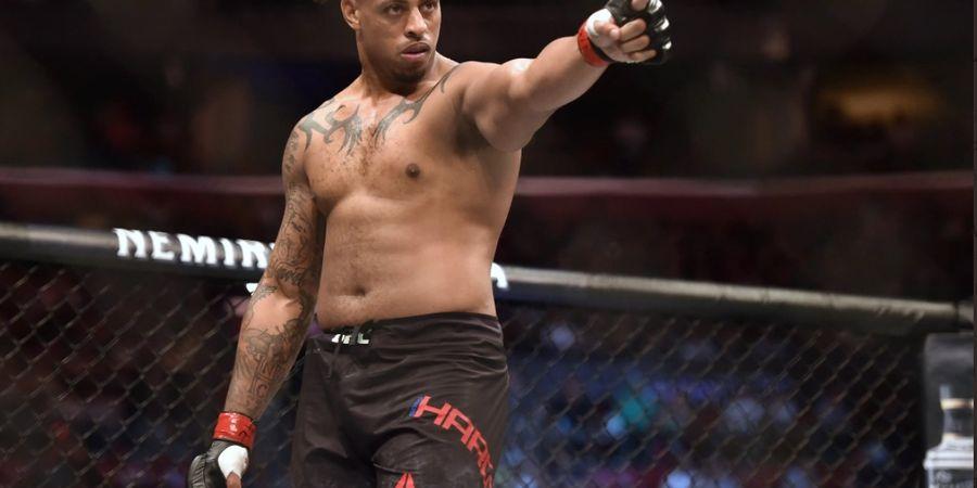 Bisa-bisanya Petarung Kelas Berat UFC Ini Gagal di Sesi Timbang Badan