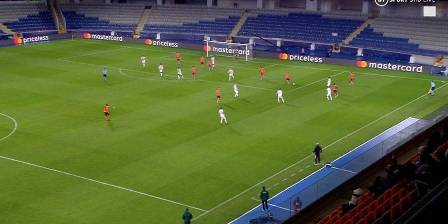 Video Gol Keren Demba Ba yang Bikin Man United Diejek Sejagat Twitter