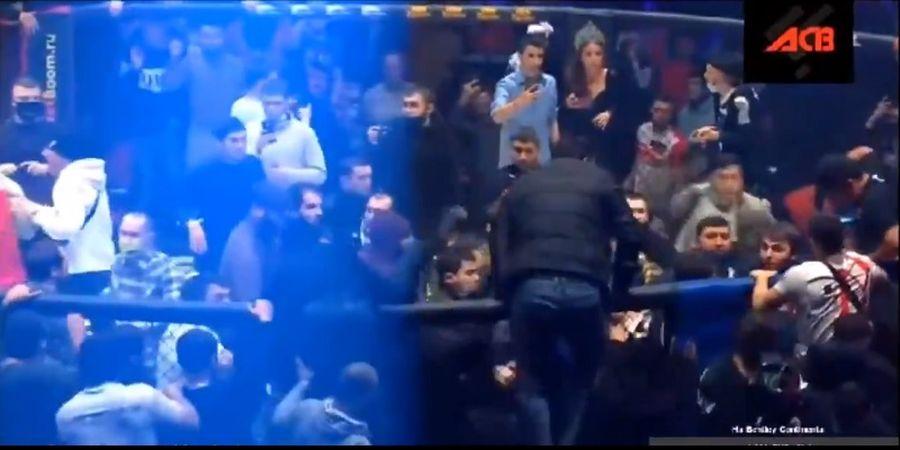VIDEO - Ketika Ajang Pertarungan MMA di Rusia Berakhir Kerusuhan Mengerikan