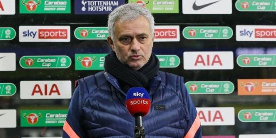 Reaksi Jose Mourinho soal Pernyataan Mesut Oezil yang Lebih Pilih Pensiun daripada Gabung Spurs