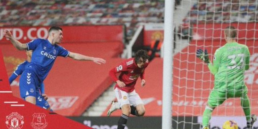 Gol Sundulan Cavani Kolongin Kiper, Man United Buat Everton Keteter di Liga Inggris