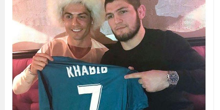 Khabib Nurmagomedov Ngobrol dengan Cristiano Ronaldo, Ada Apa?