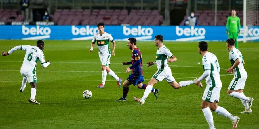 VIDEO - Gol PlayStation ala Messi, 3 Bek Elche Dibikin Bengong