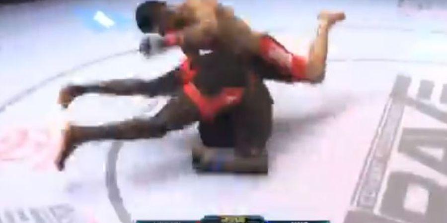 VIDEO - KO Gila, Jagoan MMA Banting Lawan Menuju ke Kayangan