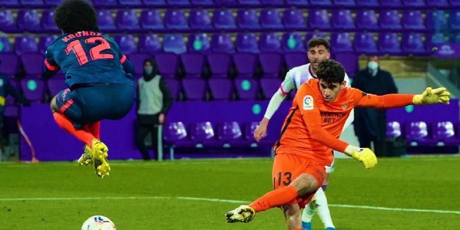 Pernah Cari Perkara dengan Messi dan Haaland, Kiper Sevilla Jadi Pemain Langka dengan Golnya