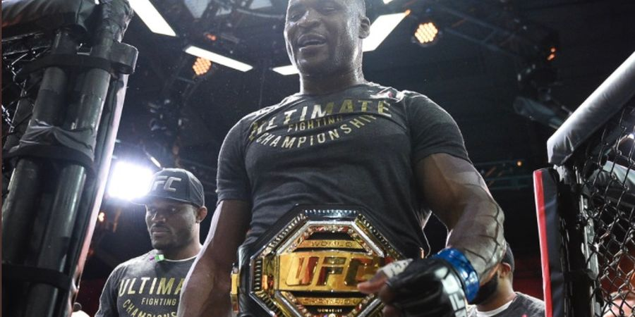 Kena Kritik, Penampilan Wasit di UFC 260 Malah Dipuji Si Predator