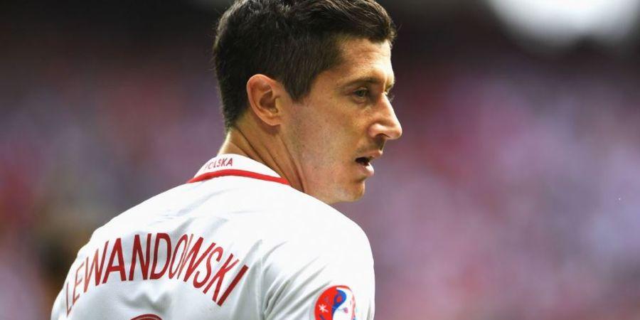 Cara Keren Robert Lewandowski Tegur Fans Polandia yang Hina Pemain Inggris