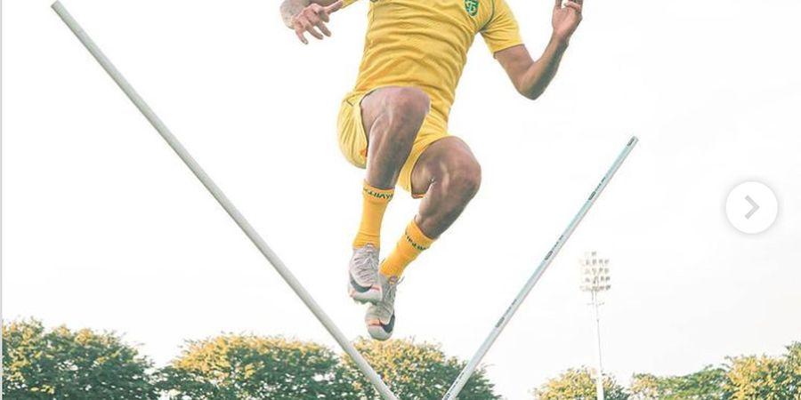 Menang Lewat Gol Bola Mati, Aji Santoso Tetap Puji Penampilan Skuad Persebaya