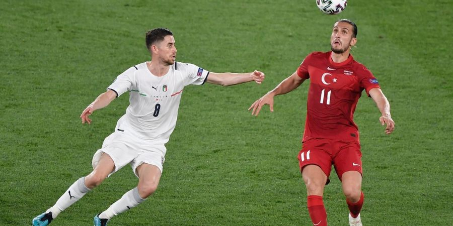 EURO 2020 - Semangat Juara Liga Champions Coba Ditularkan Jorginho di Timnas Italia