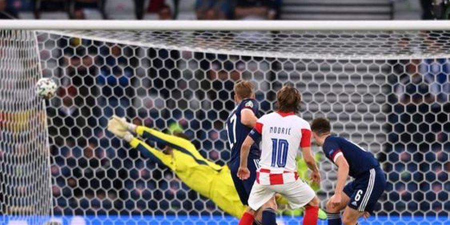 EURO 2020 - Berkat Gol Cantik ke Gawang Skotlandia, Luka Modric Selevel Cristiano Ronaldo