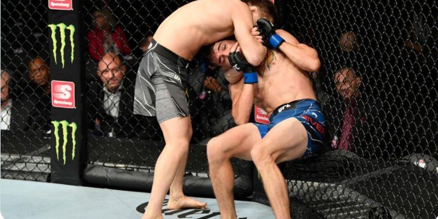 Hasil UFC 264 - Cekikan Pelintir Kepala Buka Jalan Dustin Poirier vs Conor McGregor
