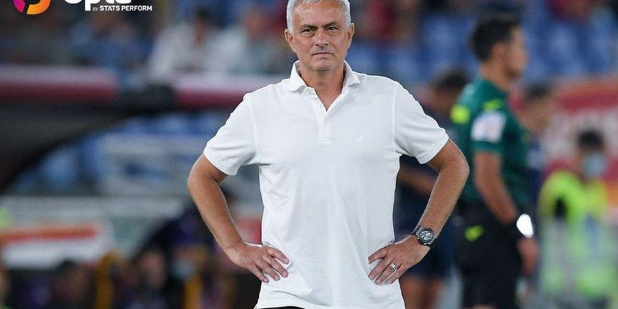 Tingkah Gak Jelas Jose Mourinho Bikin Pemain Manchester United Canggung