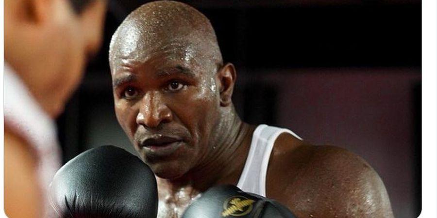 Berharap Lawan Mike Tyson, Evander Holyfield Harus Berkaca Dulu