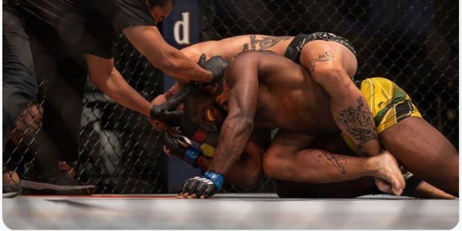 Hasil UFC Vegas 37 - Buktikan Dirinya Masih Buas, Pecundang Jon Jones Cekik Superman