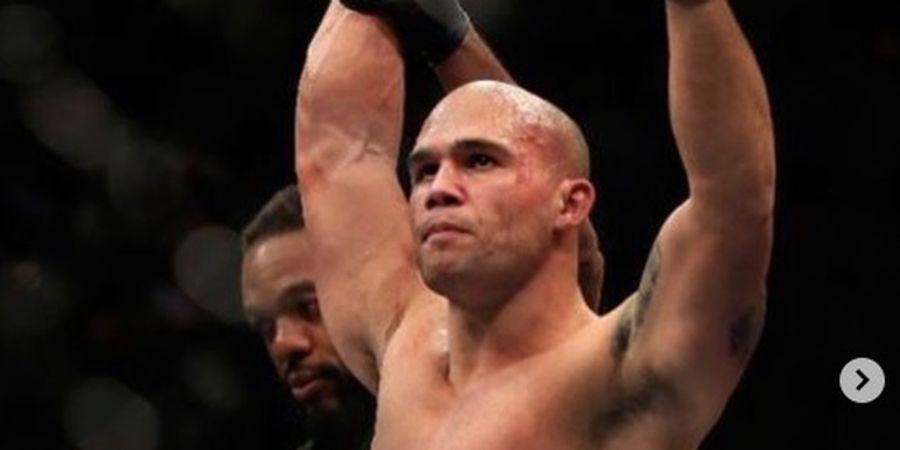 UFC 266 - Berat Belum Cocok Kelas Menengah, Robbie Lawler Siap Tempuh Jalan Ini