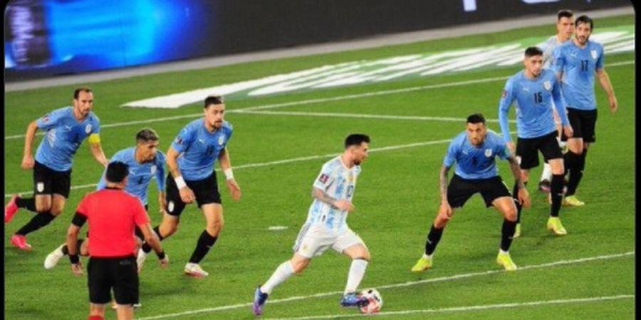 Hasil Kualifikasi Piala Dunia 2022 - Lionel Messi Cetak Gol Aneh, Argentina Libas Uruguay