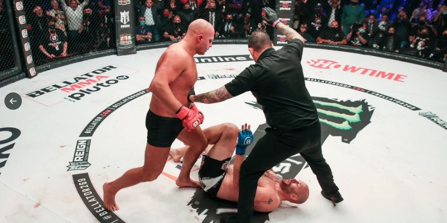 Tingkah Girang Khabib Saksikan Pukulan KO Ganas Dedengkot MMA Rusia di Ajang Saingan UFC