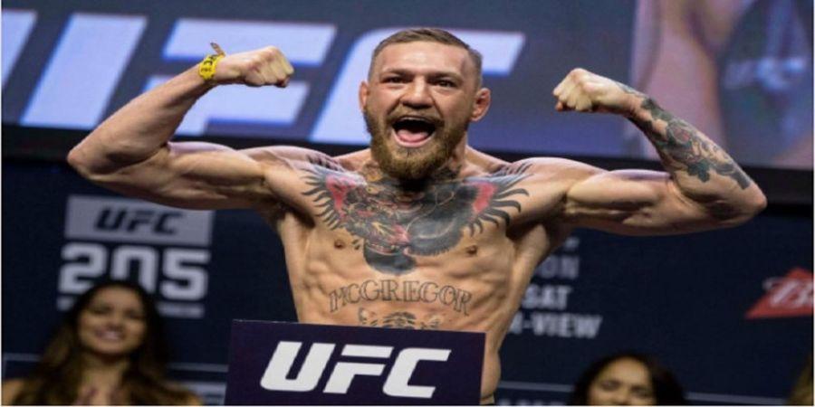 Selebrasi Kemenangan Dihadang, Conor McGregor Tempeleng Staf Bellator