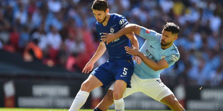 VIDEO - Jorginho Ajari Kante Sepak Bola Menyerang ala Maurizio Sarri di Laga Pamungkas ICC 2018