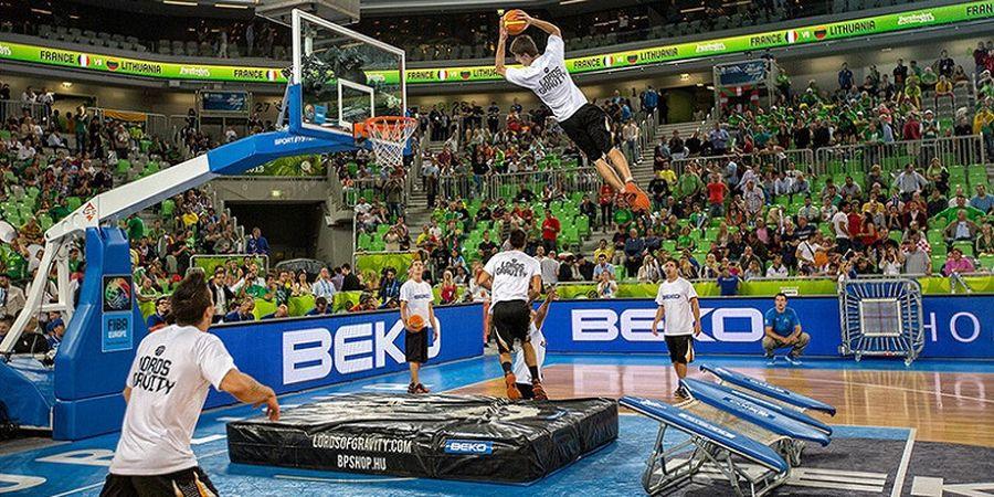 Video Saat Sekumpulan Pemuda Lakukan Hal Gila Dalam Freestyle Basket