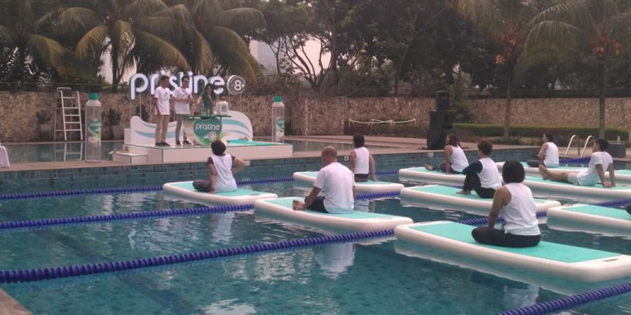 Antusiasme Peserta Floating Yoga
