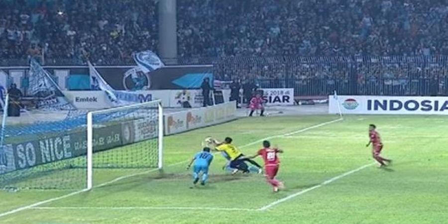 Sebelum Satu Tim, Gol Tangan Tuhan Diego Assis Pernah Lukai Hati Stefano Cugurra