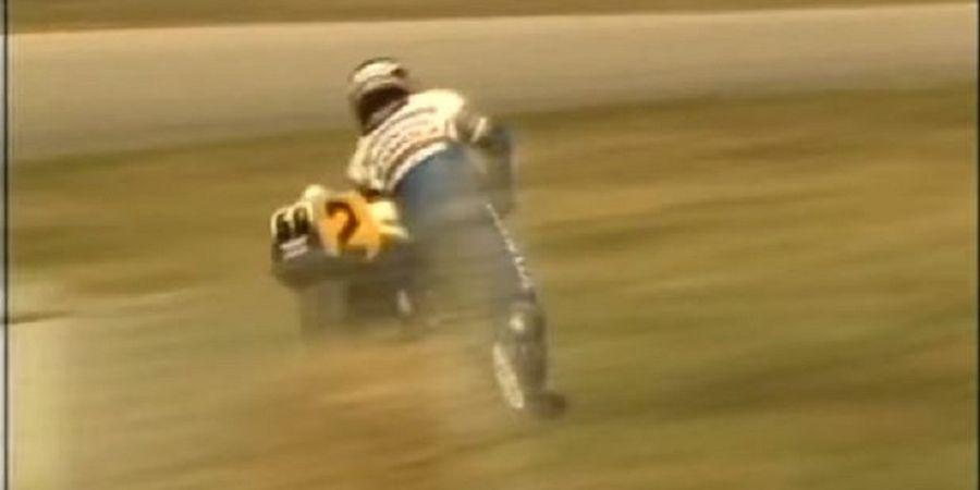 VIDEO - Marc Marquez Kalah! Ini Dia Penyelamatan Paling Legendaris di MotoGP