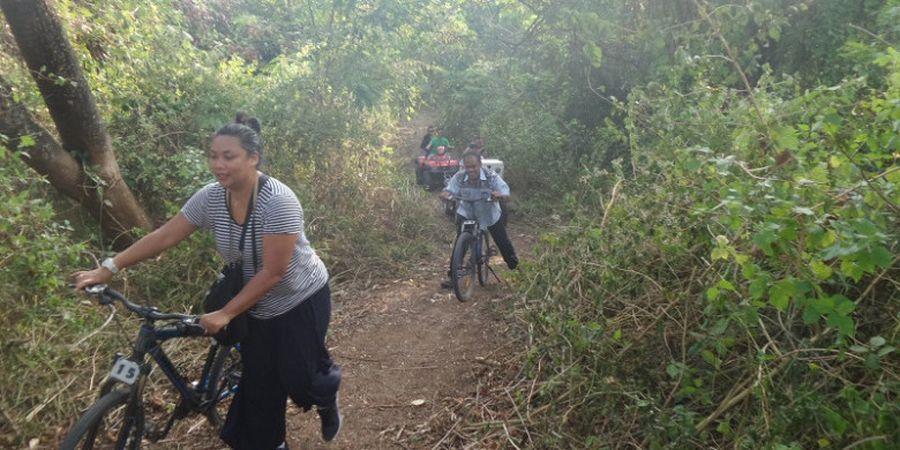 Mengenal 'Cross Triathlon' Melalui Ajang Rhino X-Tri di Tanjung Lesung