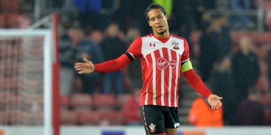 Bek yang Pernah Diincar Liverpool Ingin Tinggalkan Southampton