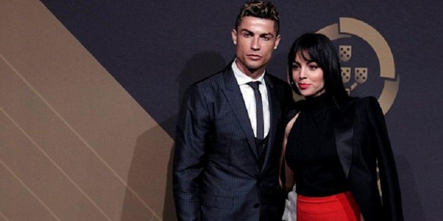 Hadiri Quina Awards, Cristiano Ronaldo dan Georgina Rodriguez Tampil Memukau