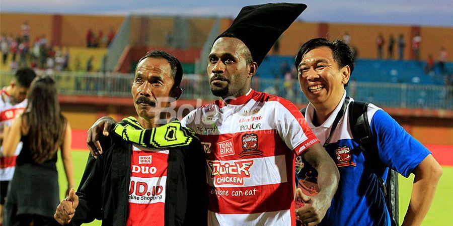 Engelbert Sani Resmi Perpanjang Kontrak bersama Madura United