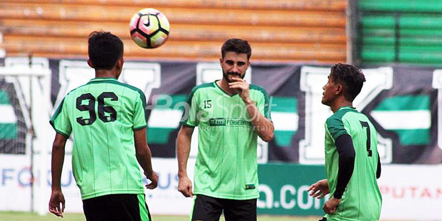 Pulih dari Cedera, Robertino Pugliara Tak Sabar Tandang ke Markas Arema FC