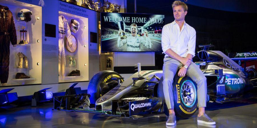 Waduh! Sebastian Vettel Didesak Nico Rosberg untuk Memenangi Gelar