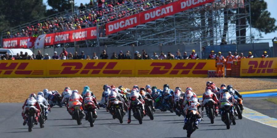 VIDEO - Momen Super Konyol Ketika Lebih dari 6 Pembalap Moto3 Jatuh Bersamaan di Le Mans