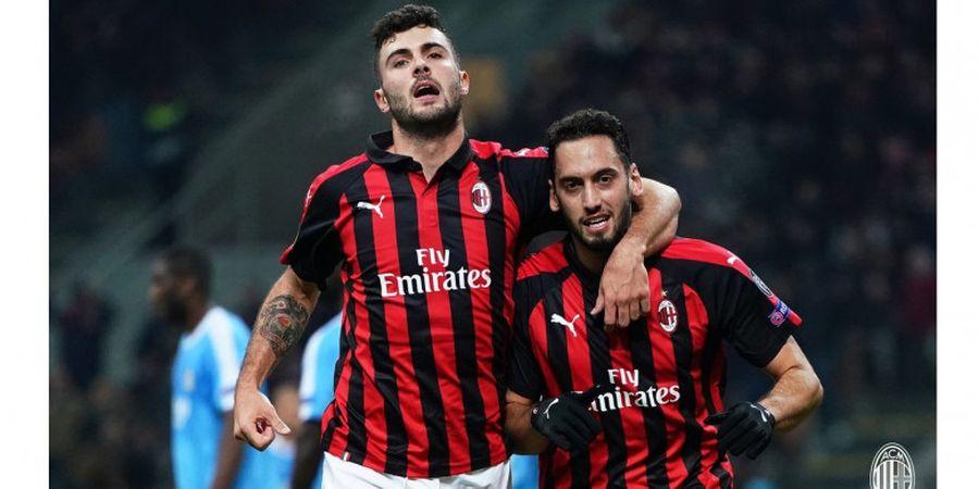Hakan Calhanoglu Bantah Tinggalkan AC Milan