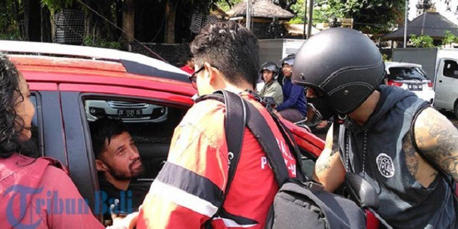 Tingkah Kocak Irfan Bachdim yang Nyamar Jadi Wartawan Saat Wawancarai Stefano Lilipaly