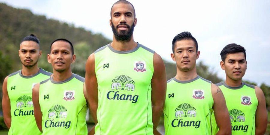Foto Bareng Nabil Husein, Mungkinkah Comvalius Gabung ke Borneo FC