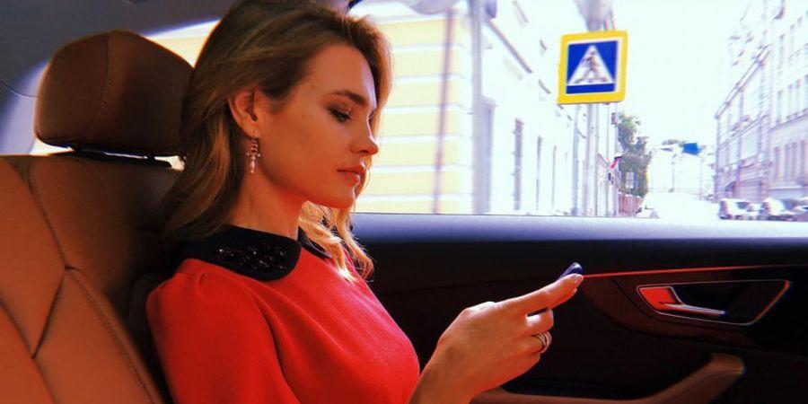 Supermodel Pembawa Trofi Piala Dunia Buka Suara Terkait Kekalahan Timnas Rusia