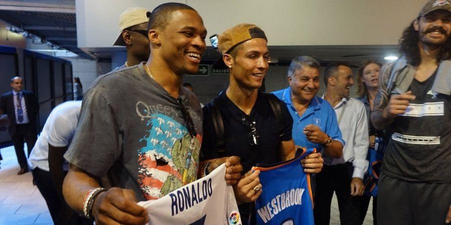 Ketika Bintang NBA Bertukar Jersey dengan CR7