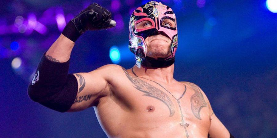 Kondisi Terbaru Rey Mysterio Pasca Matanya Dicongkel Seth Rollins