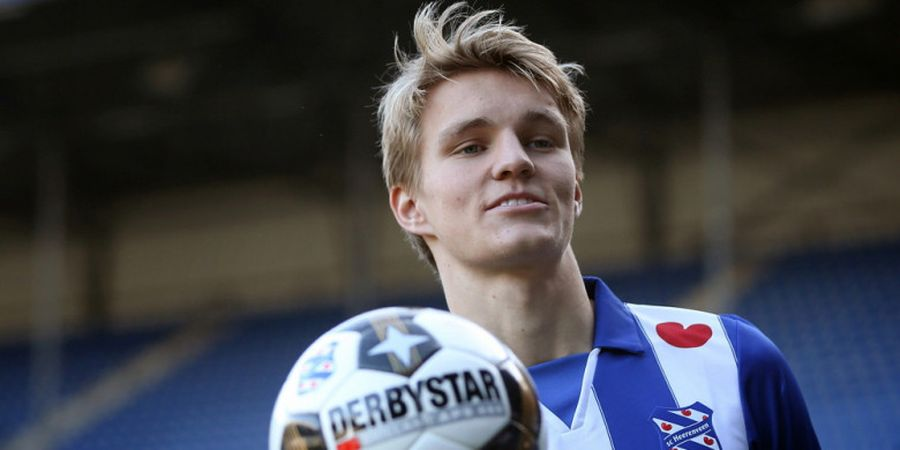 VIDEO - Gol Spektakuler Martin Odegaard ke Gawang Ajax Amsterdam