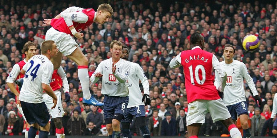 Sejarah Hari Ini, Lord Bendtner Cetak Gol Tercepat, Cuma 1,8 Detik