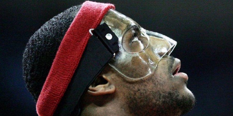 Para Pebasket NBA yang Tampil Impresif Saat Pakai Topeng Pelindung Plastik