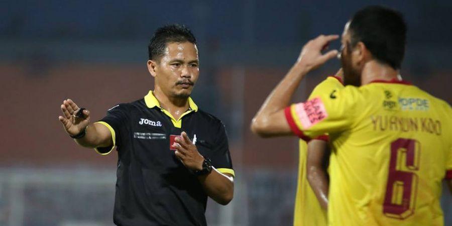 Kontroversi Iwan Sukoco, Pernah Jadi Wasit Terbaik hingga Disebut Tak Paham Sepak Bola