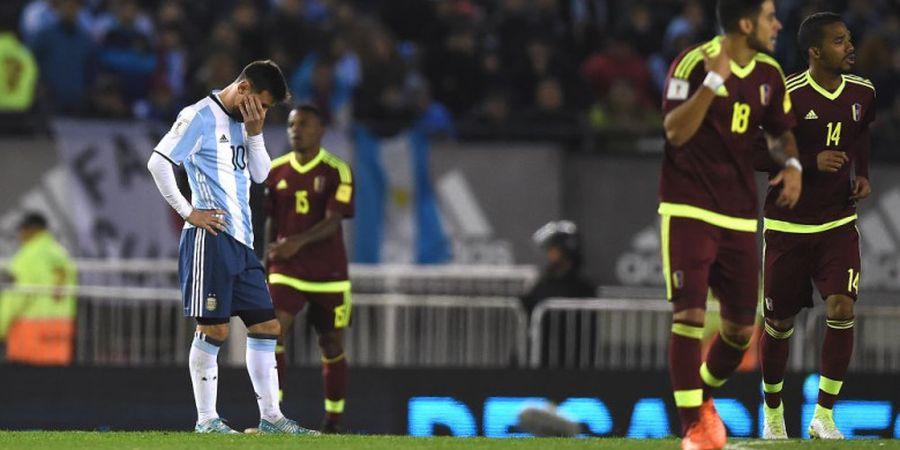 VIDEO - Lionel Messi Sudah Bekerja Keras, namun Rekan-rekannya Tidak Membantu