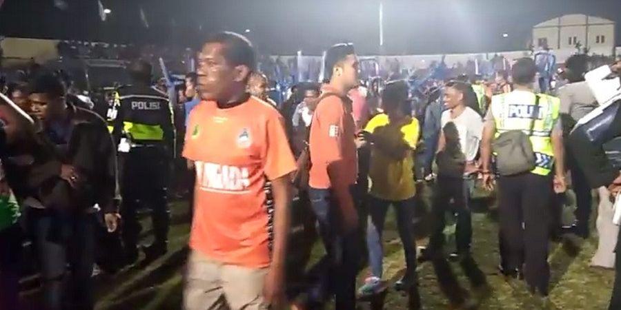 VIDEO - Kericuhan Laga Final Liga 3 di Stadion Marilonga Ende