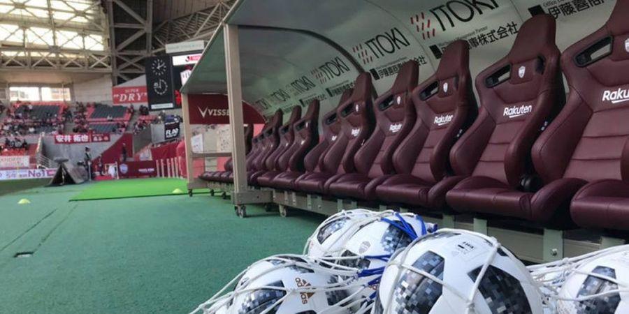 Fernando Torres 'Dikeroyok' Lukas Podolski dan Andres Iniesta di Liga Jepang, Sayang Laga Tanpa Pemenang